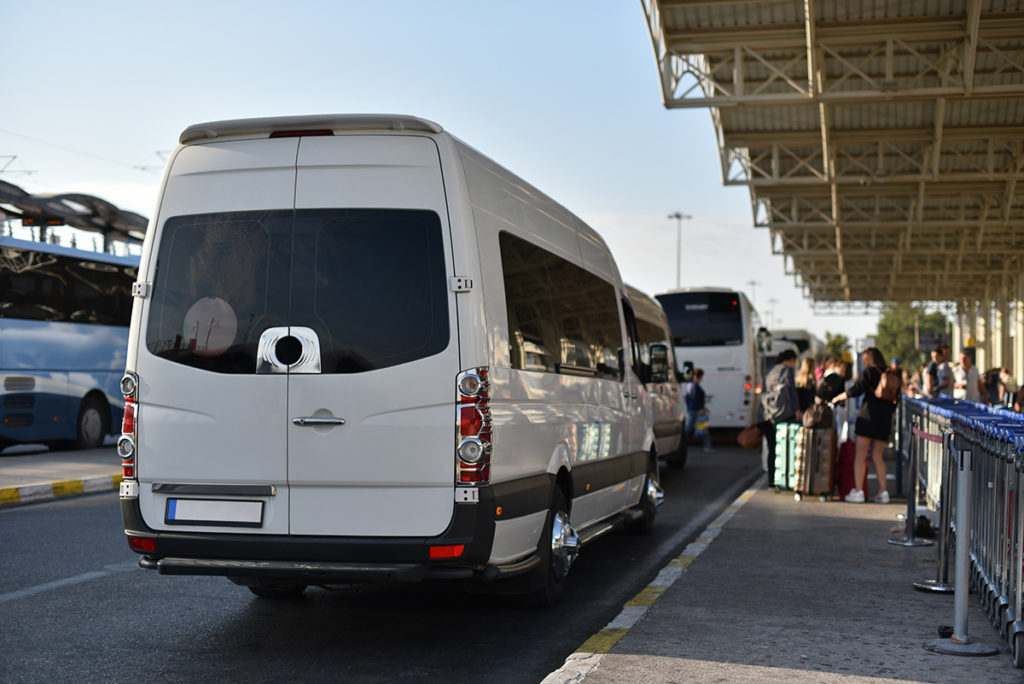 minibus travel transfer service in airport